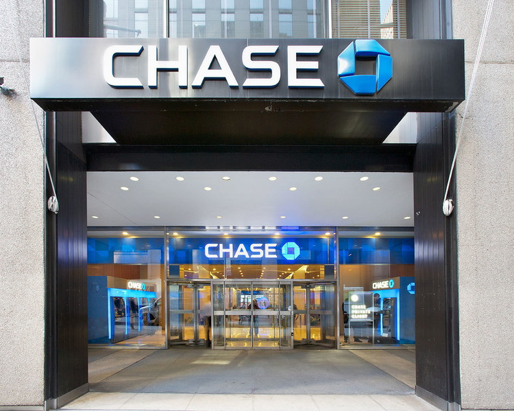 Exterior view of Chase Bank