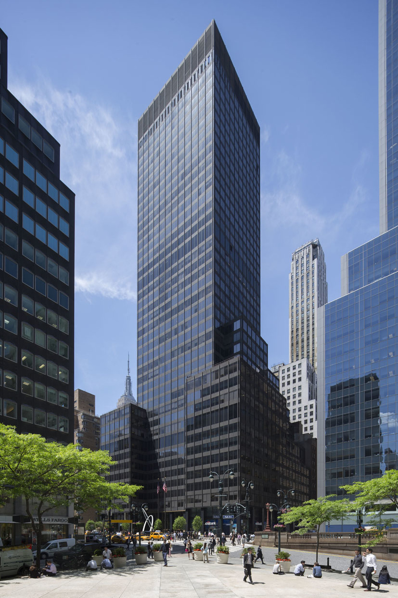 image of 90 PARK AVENUE