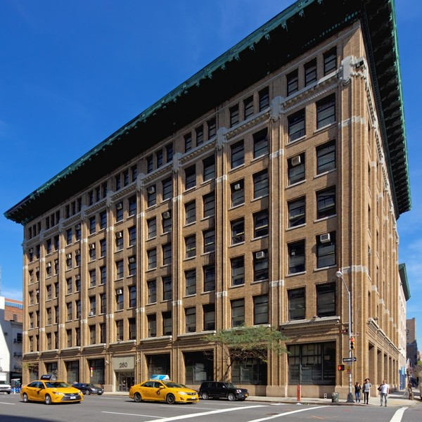 260 ELEVENTH AVENUE Building